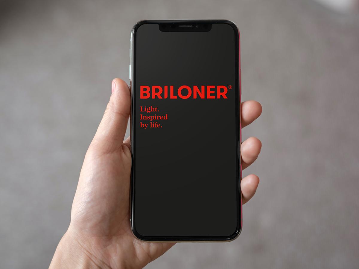Bild mit Briloner Logo auf Handy
