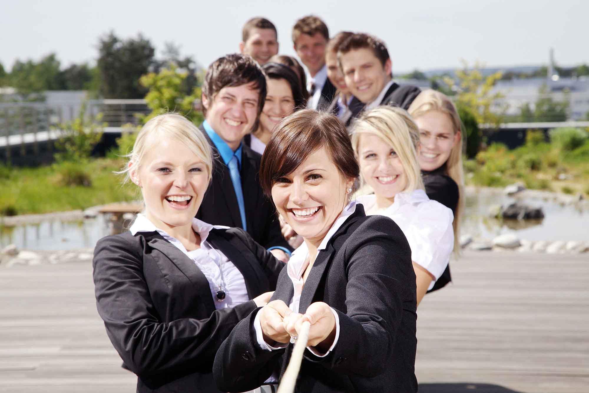 Karriere bei Briloner offene Stellen Junge Leute ziehen an Tau